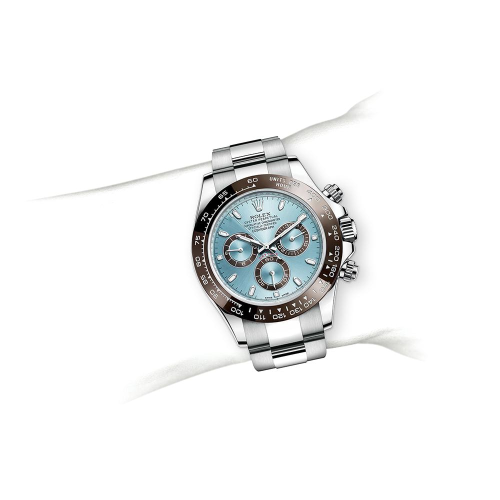 M116506-0001_watch-on-wrist.jpg