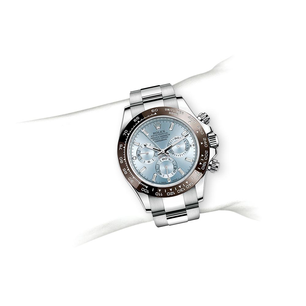 M116506-0002_watch-on-wrist.jpg