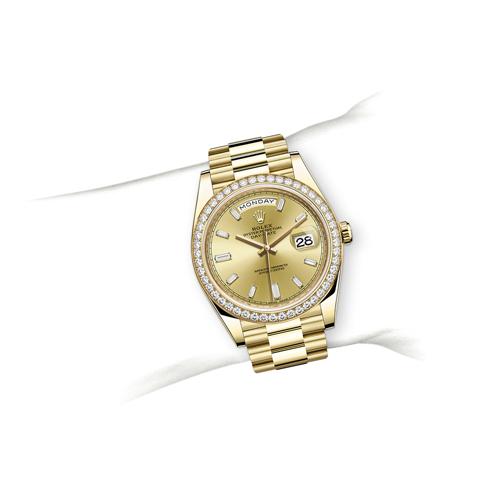 M228348RBR-0002_watch-on-wrist.jpg