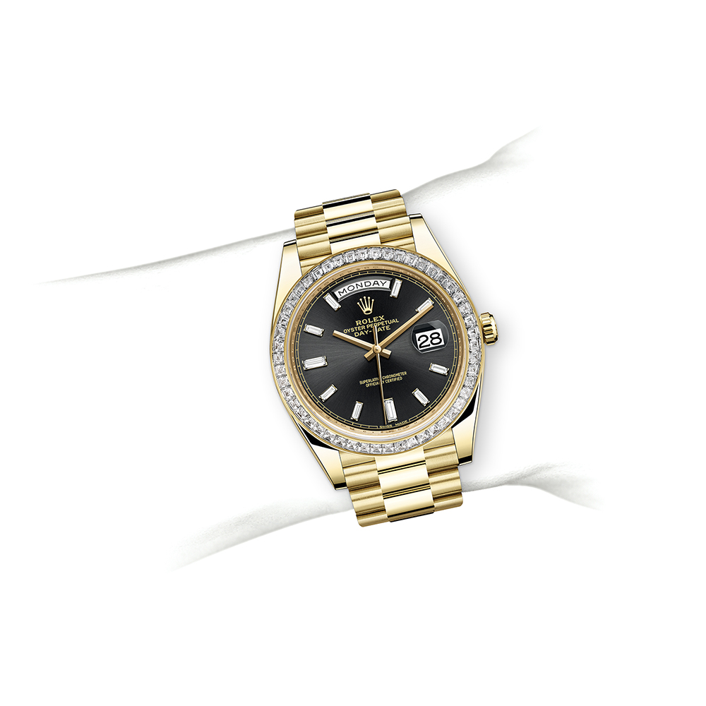 M228398TBR-0001_watch-on-wrist.jpg