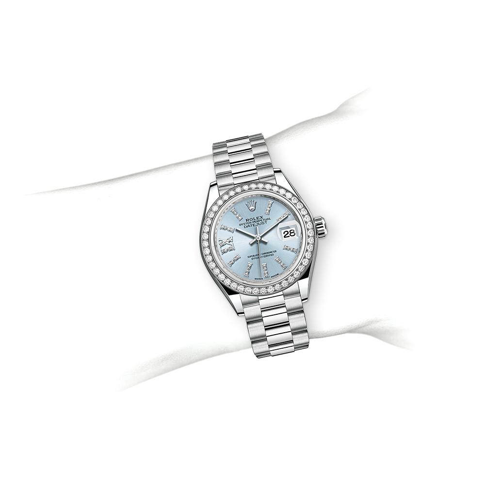M279136RBR-0001_watch-on-wrist.jpg