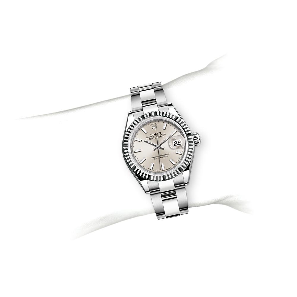 M279174-0006_watch-on-wrist.jpg