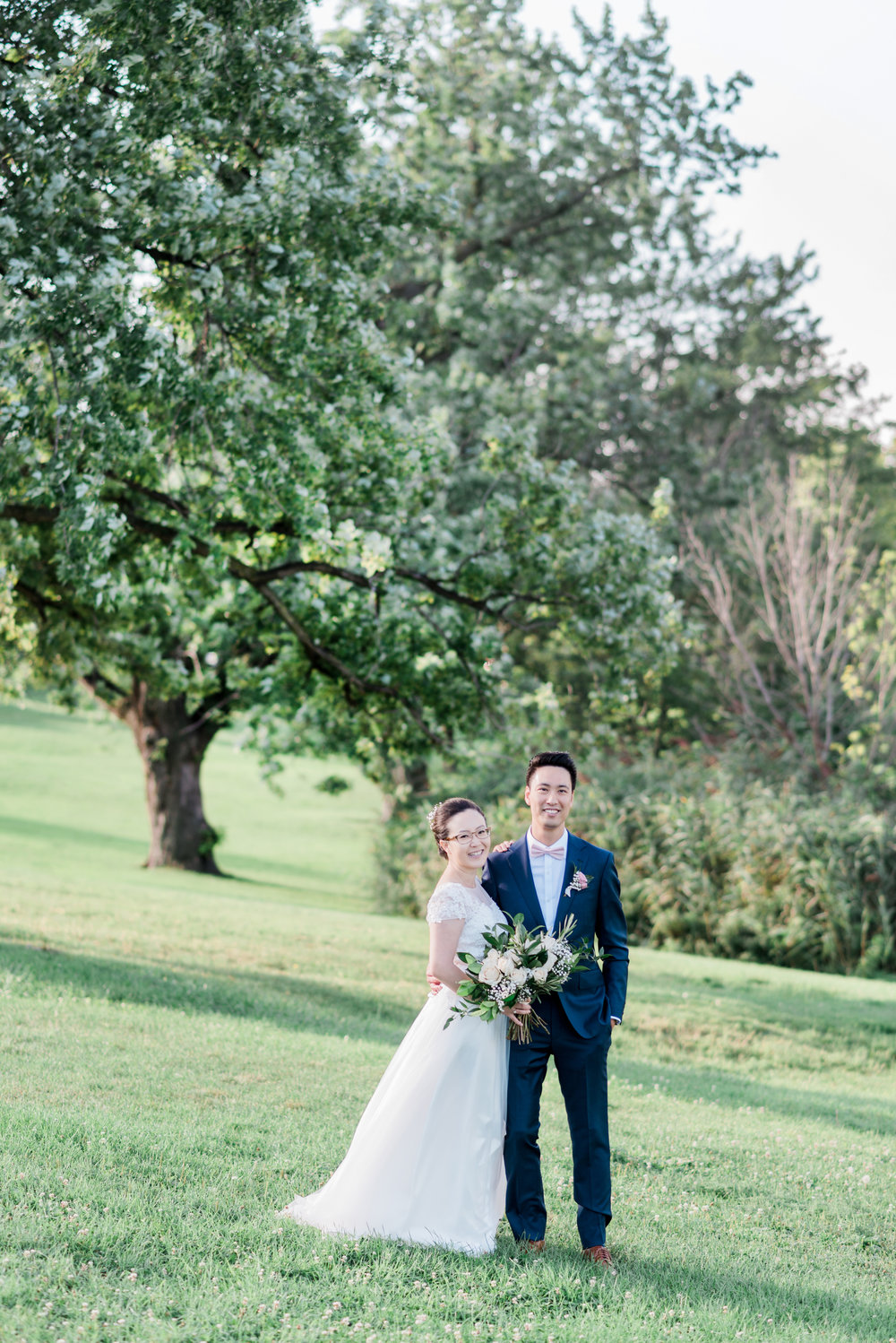 BLUUMBLVD white and green bouquet at the Riverdale Park Toronto-13.jpg