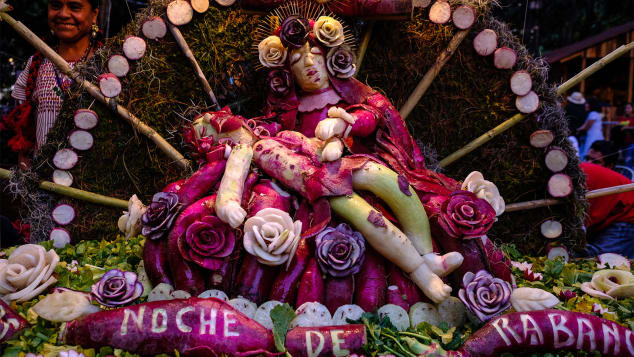 CNN Travel -Inside Oaxaca's Radish Carving Festival     Photo credit: Nikhol Esteras