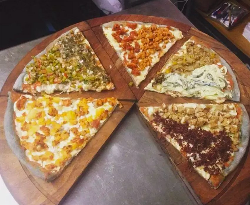 MEXICO NEWS DAILY - A Mexico City Pizzeria is Making Social Change One Slice at a Time     Photo credit: Pixza