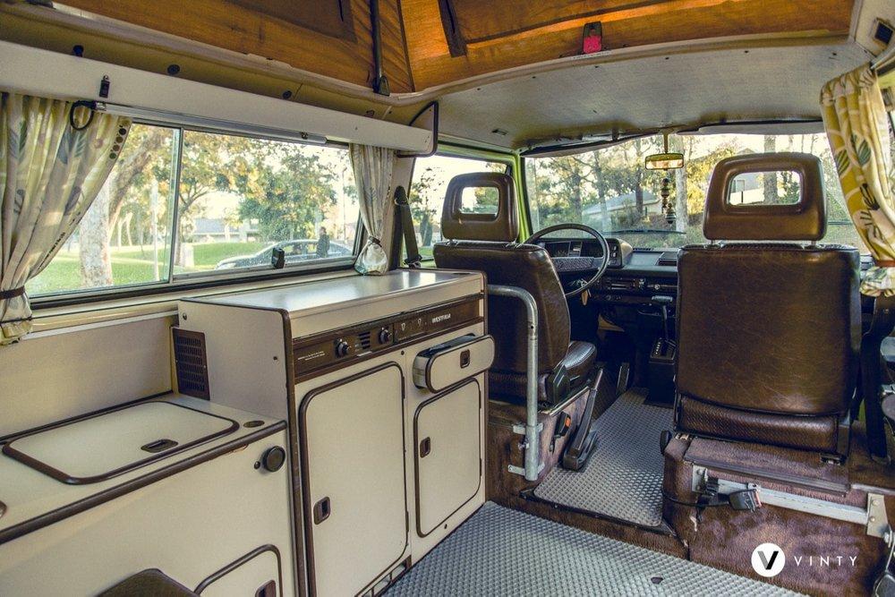 Vinty-classic-car-rental-Volkswagen-1984-Vanagon-Westfalia-min.jpg