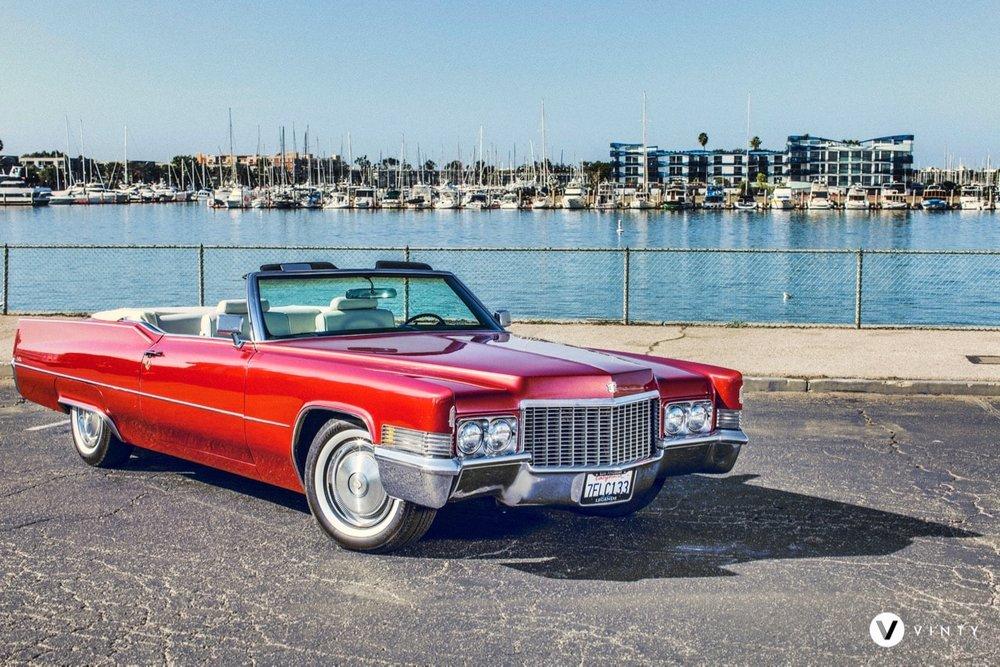 Vinty-classic-car-rental-1970-Cadillac-DeVille-Convertible-min.jpg