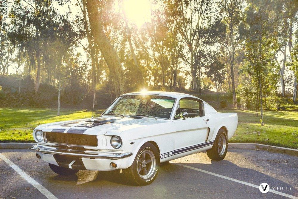 Vinty-classic-car-rental-1965-Ford-Mustang-Fastback-min.jpg
