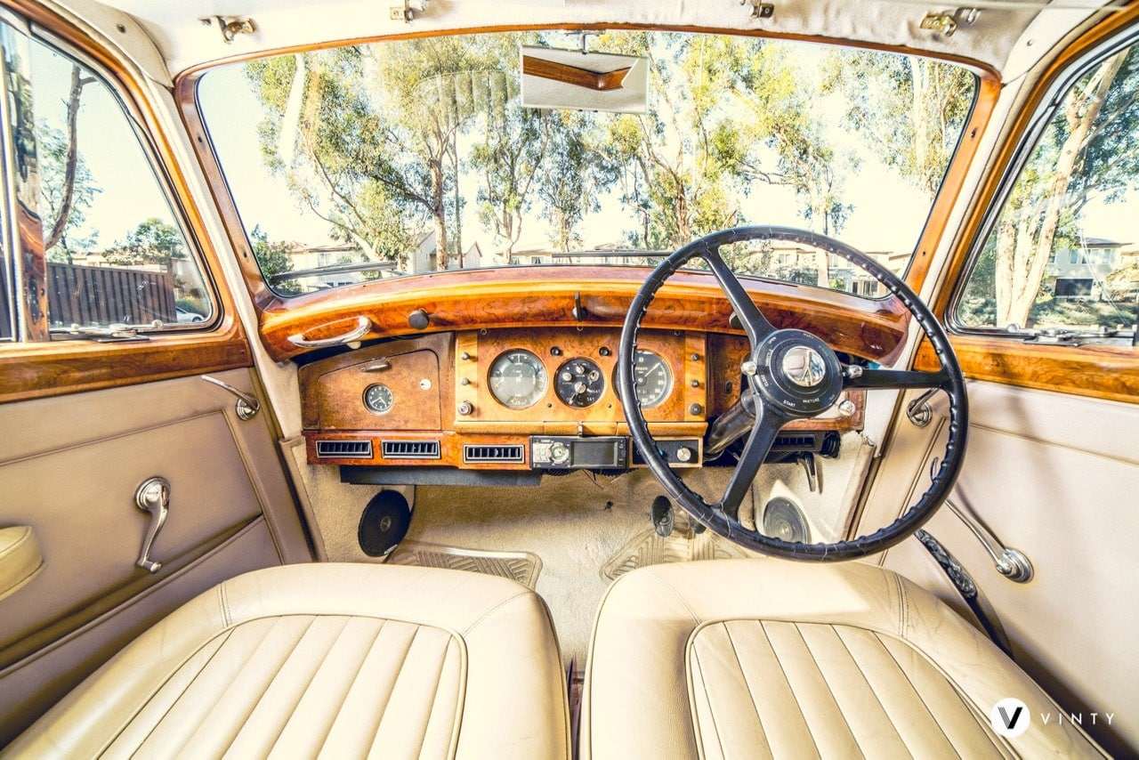 Vinty | Classic Car Hire Service