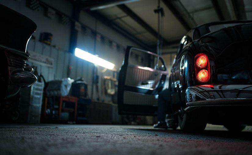 classic_car_garage-825x510.jpg