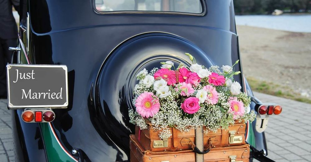 Vintage Wedding Planning 101_ 5 Guest Transportation Ideas.jpg