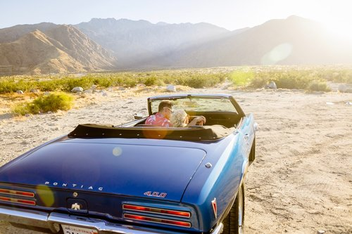 Vinty-classic-car-rental-Palm-Springs-photoshoot.jpg