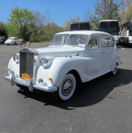 1961 Princess Rolls Royce   https://cars.drivevinty.com/en/listings/281829-1961-princess-rolls-royce?image=625209