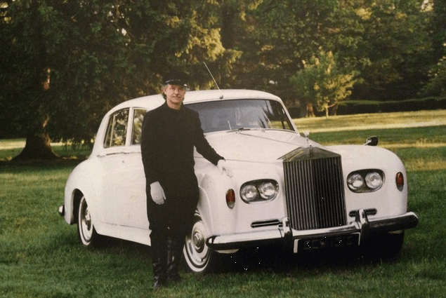 1964 Rolls Royce Silver Cloud   https://cars.drivevinty.com/en/listings/556687-1964-rolls-royce-silver-cloud