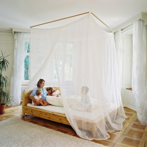 emf-blocking-bed-canopy.jpg