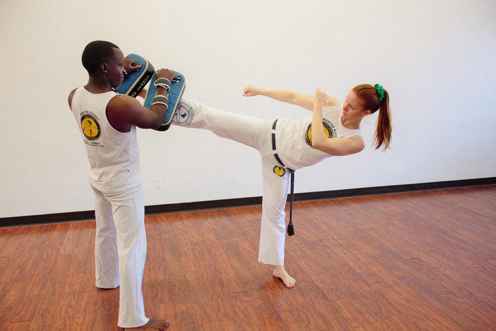adult-teen-tucson-capoeira
