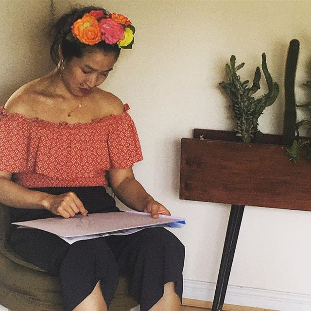 Hawaiian themed session on a beautiful day - great work from this group. • • • #lifedrawing #buffdrawing #hawaii #artparty #artist #drawing #hendo #henparty #hendoideas #plants
