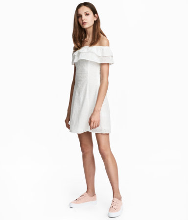 H&M Off-the-shoulder dress: $39.99