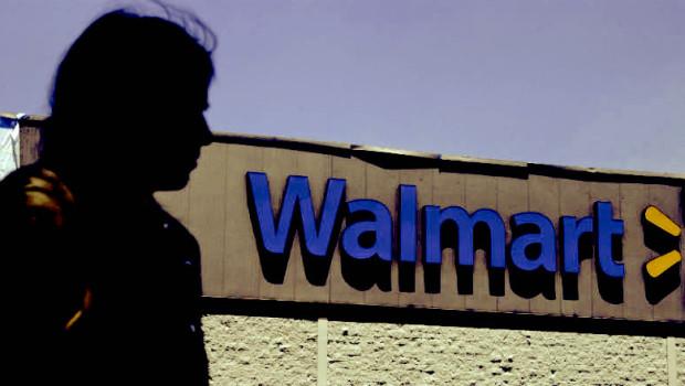 Walmart  es el principal empleador en Puerto Rico, y uno de los mayores beneficiarios de las políticas pro-empresariales del gobierno.