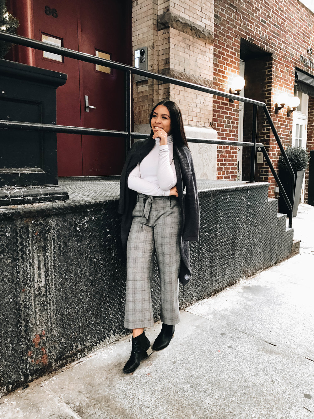 Simple, Chic Way To Style Your Trousers
