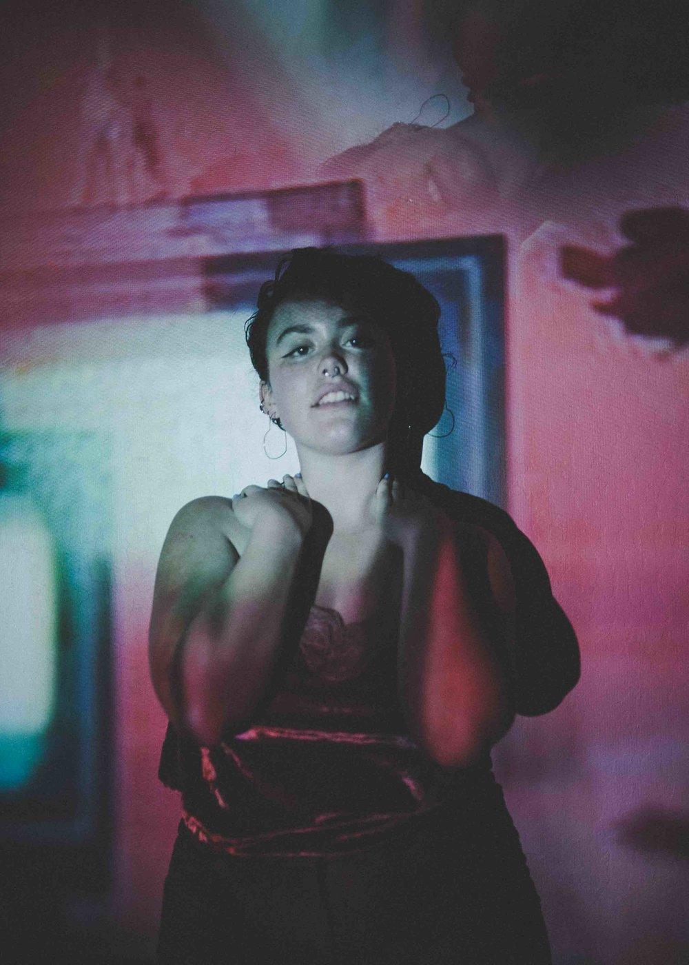 Izzy + the coloured lights -32.jpg