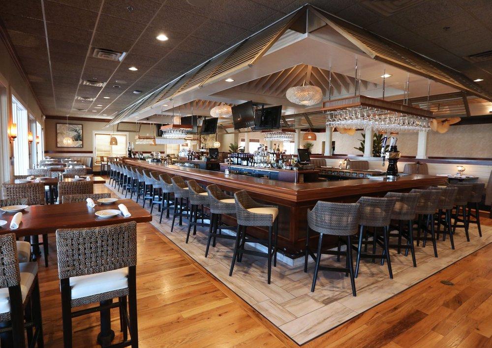 The bar at Turks & Caicos Cabana Grille. Photo credit: Turks & Caicos / Facebook
