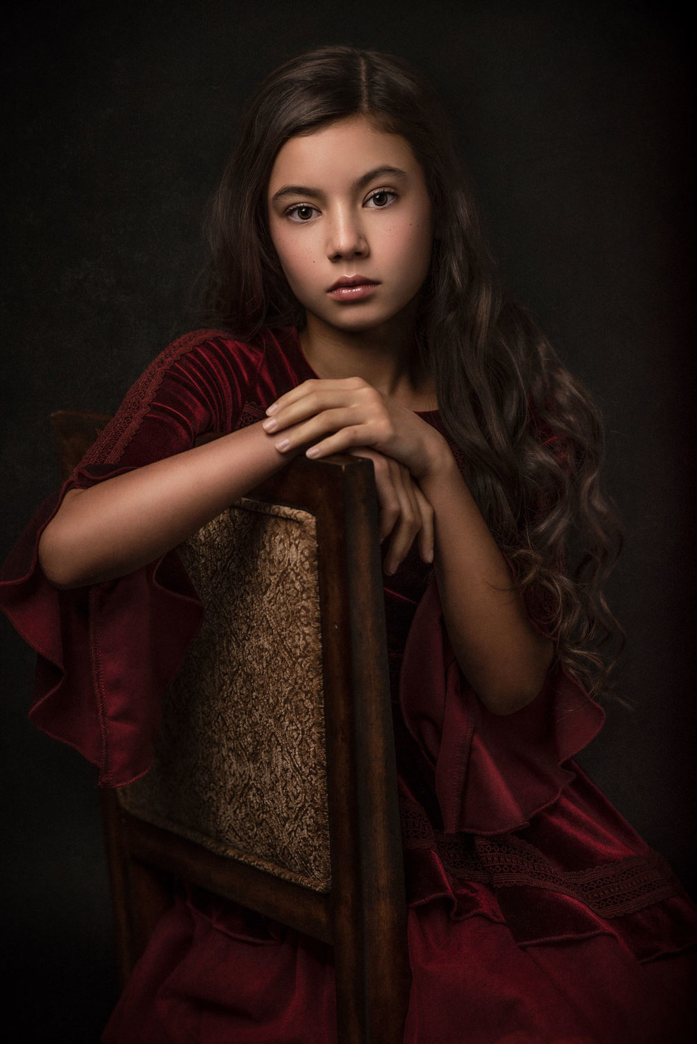 barbara_macferrin_photography_boulder_colorado_80303_fine_art_children_girl_vintage_velvet_dress_long_hair.jpg