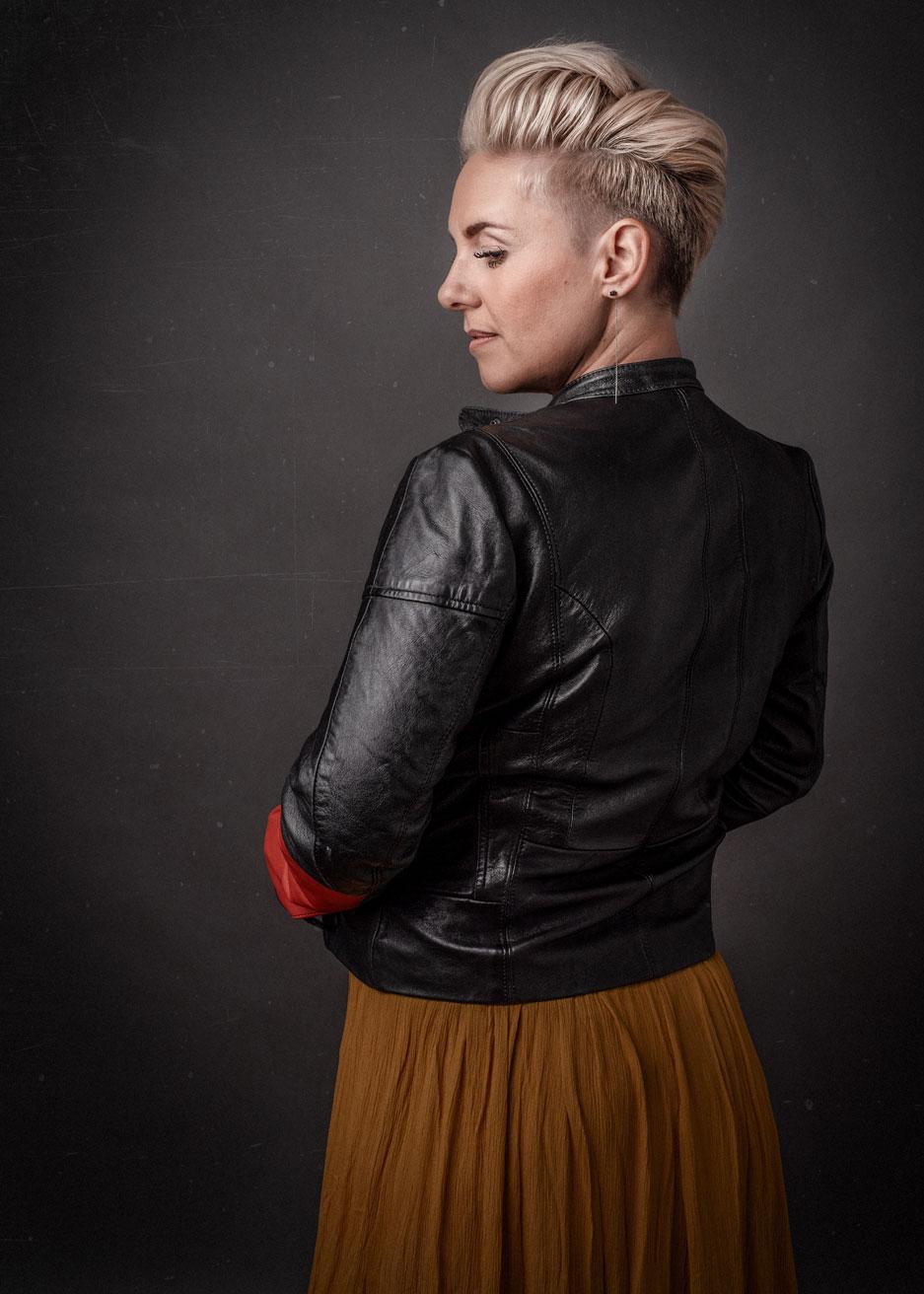 barbara_macferrin_photography_boulder_colorado_80303_fine_art_women_leather_jacket_edgy.jpg