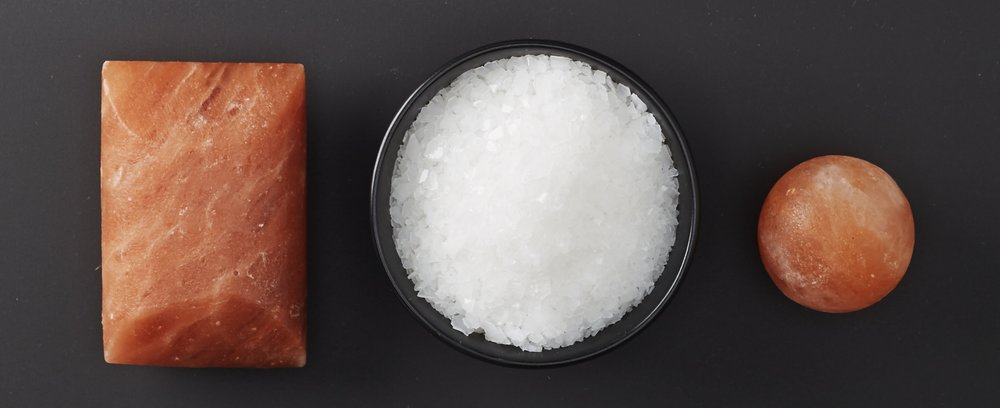 pure magnesium chloride flakes from the ancient zechstein sea teamed with Himalayan salt bars
