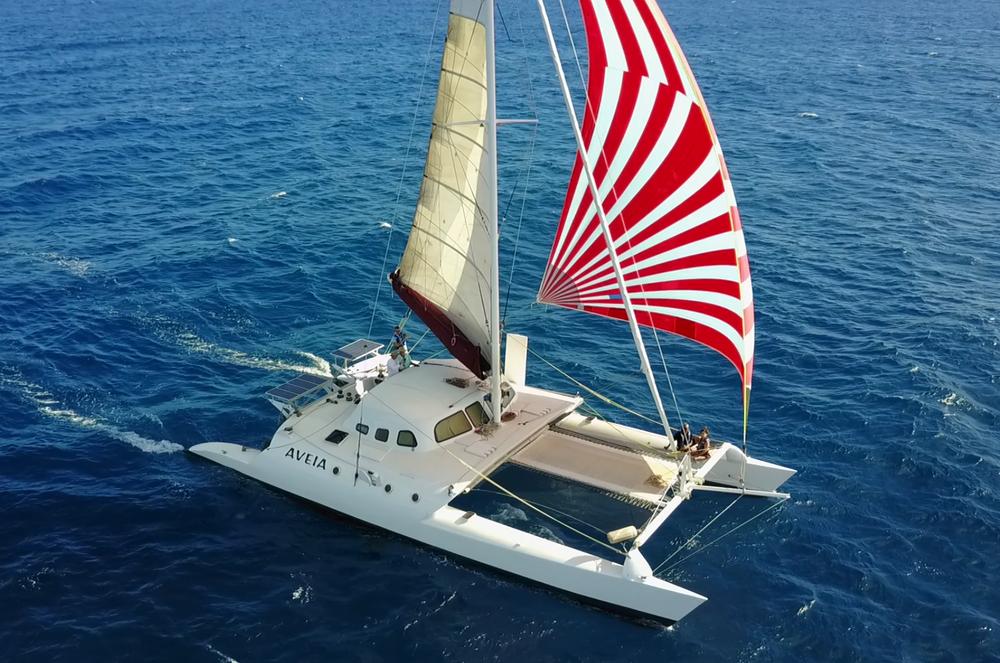 hawaii-catamaran-sailing-waikiki.jpg