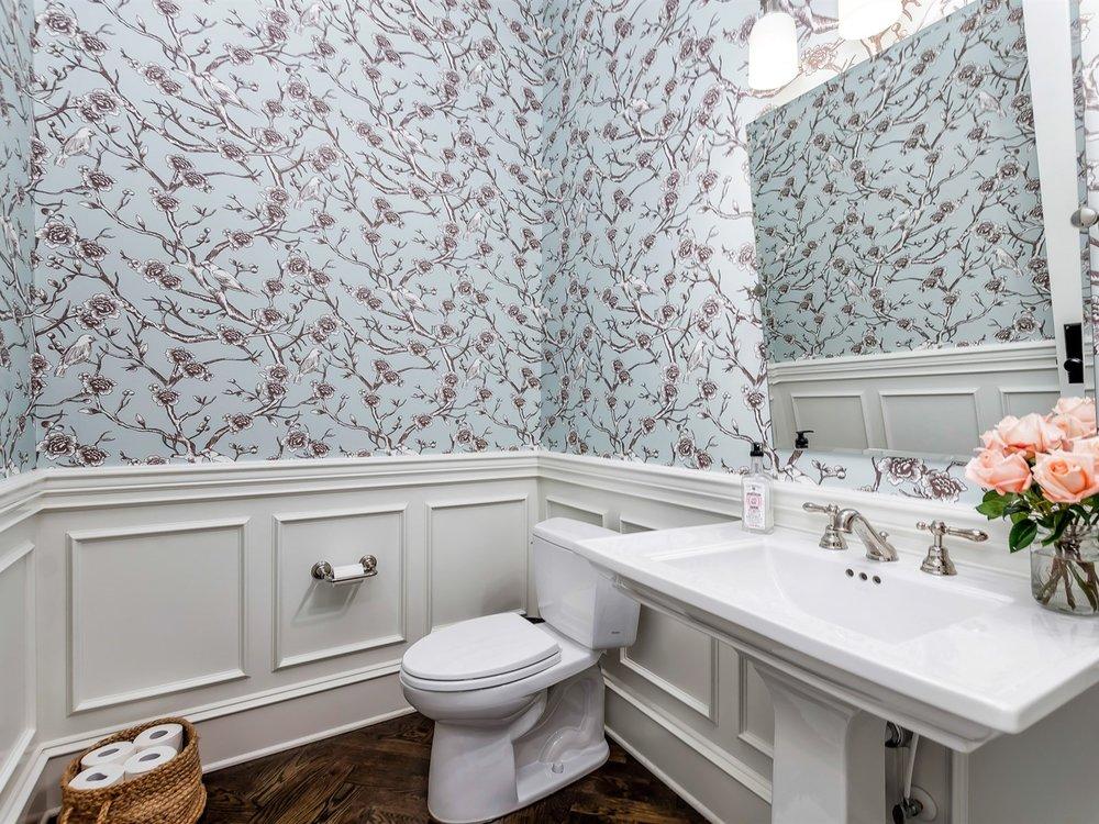 025_Bathroom .jpg