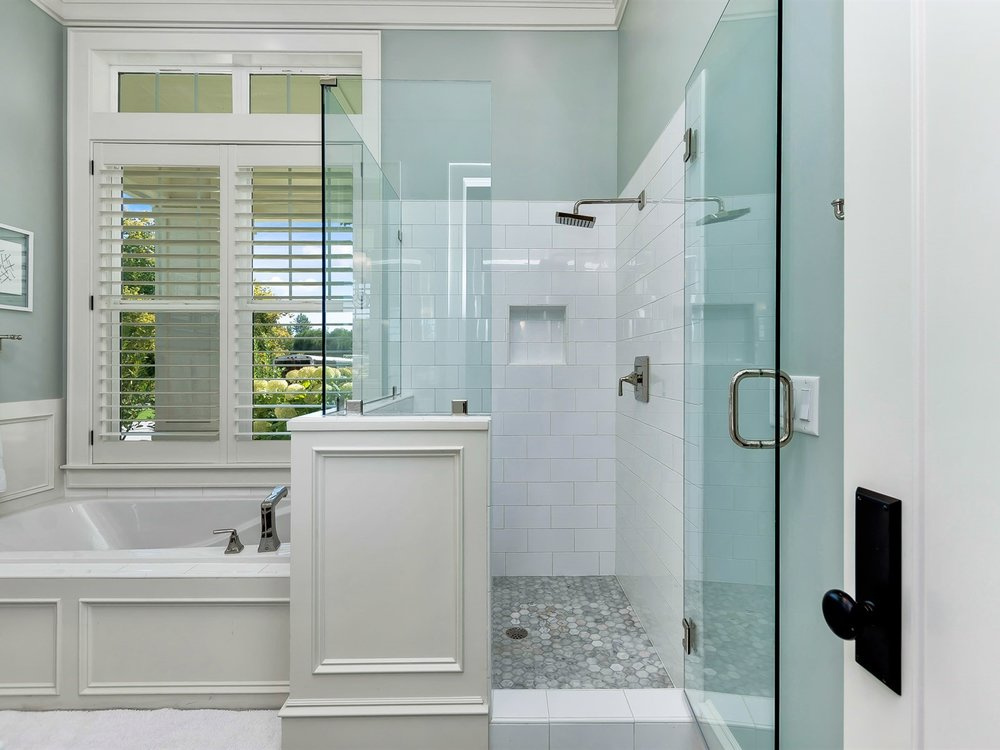 028_Bathroom .jpg