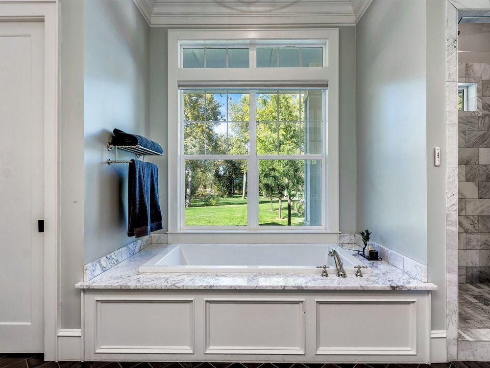 039_Master Bathroom .jpg