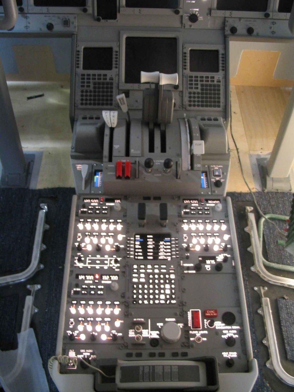 777 centre console.jpg