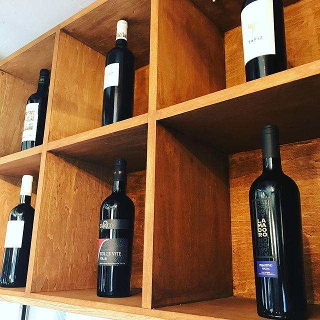 ☆Special☆ お店のコンセプトから、店内全てのワインをオーガニックへ変更いたします👍 それ以外のワインに関してはボトルをインスタ限定で「20%OFF」でご提供させていただきます!!※残り赤ワインのみとなり早いもの勝ちですよ〜♪ 「インスタを見たよ!」と遠慮なくお申し付けください。 喜んでOFFさせていただきますよ😄