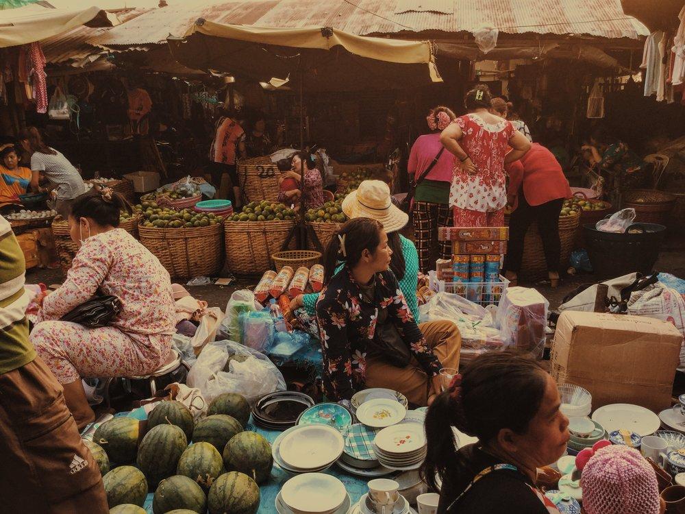 Damien Nikora_iPod_Cambodia Markets_08.JPG