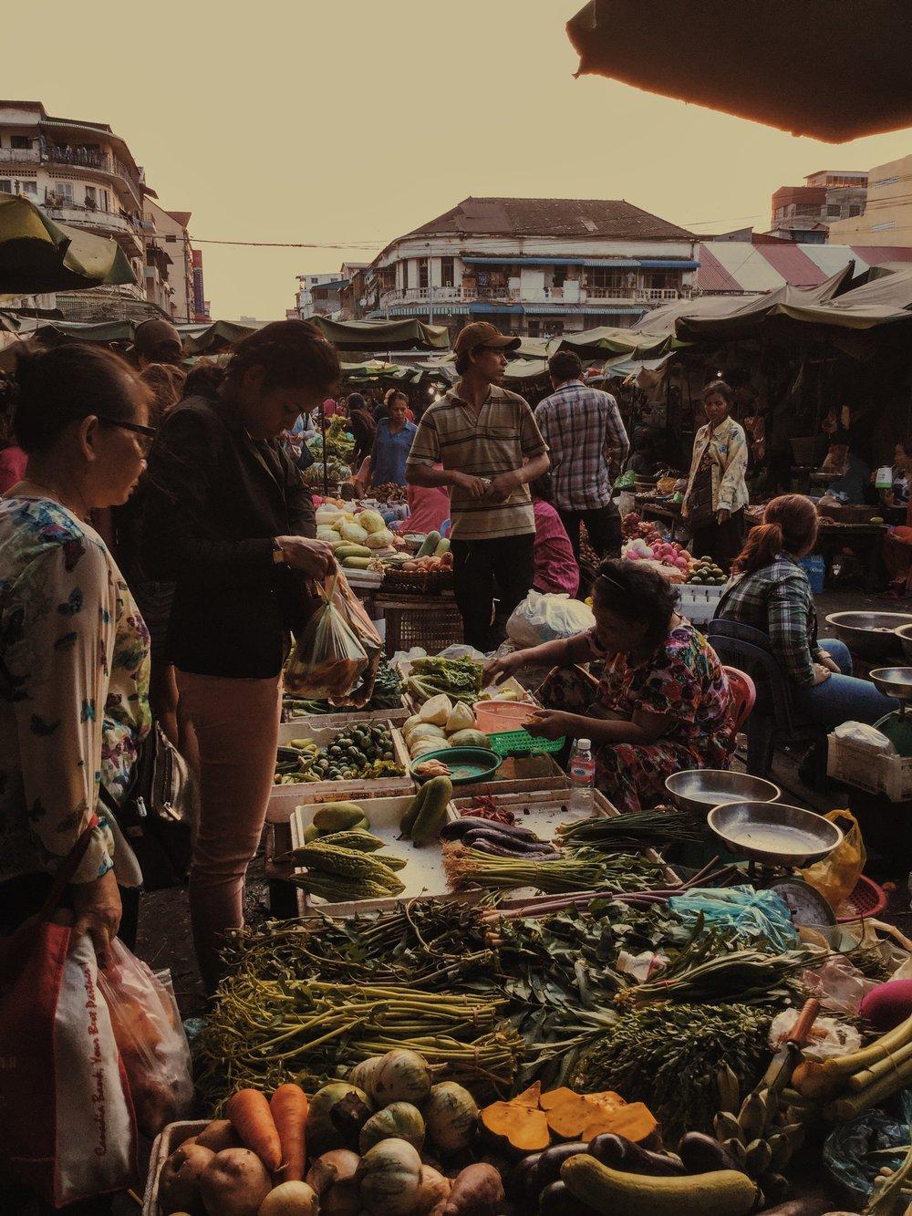 Damien Nikora_iPod_Cambodia Markets_13.JPG