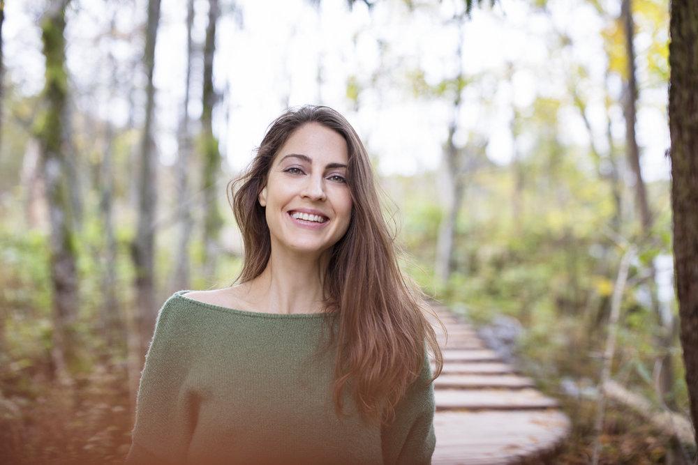 Hey there! Kan jij een boost gebruiken? - Niet happy met je gezondheid, je huid, je humeur, je energiepeil? Met kleine ingrepen kun je snel grote resultaten boeken! Yoga, gezonde voeding, ademhalings- en meditatietechnieken geven je meer energie en maken je gezonder, mooier en weerbaarder tegen stress.In mijn boeken,workshops en op mijn blog vertaal ik mijn eigen ervaringen en kennis naar praktische en eenvoudige tips die het potentieel hebben je leven te veranderen.Hopelijk tot binnenkort!xox Goedele