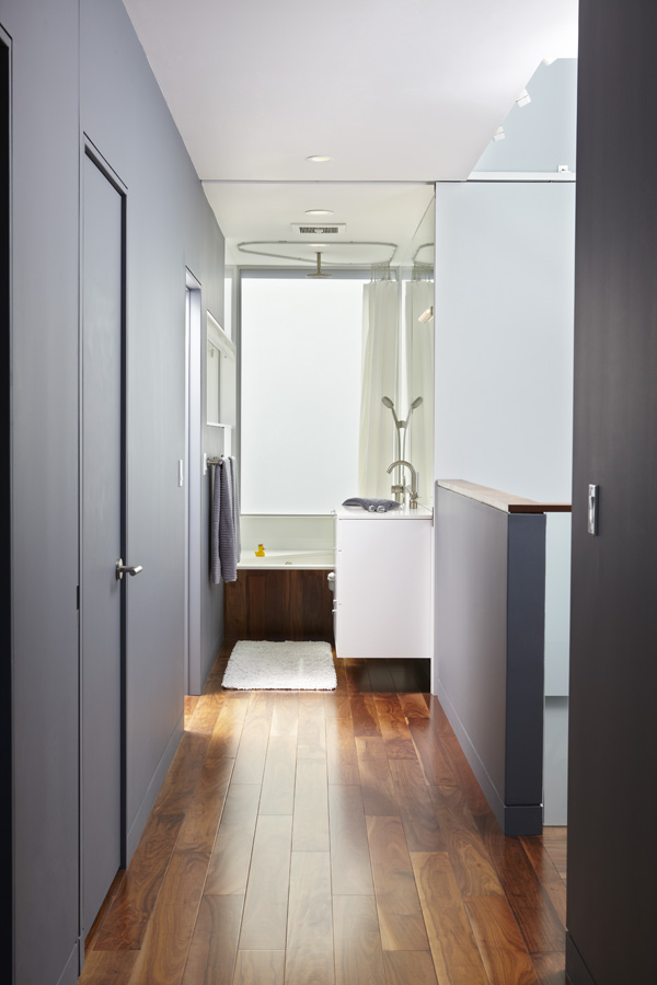 Bathroom_Main_091.jpg