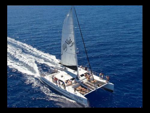 Molokini snorkel boats