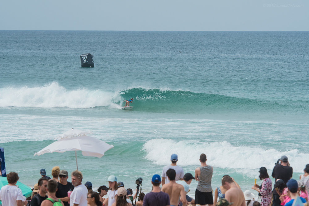 Wave of the Day - Alessa Quizon smoking the women's finals