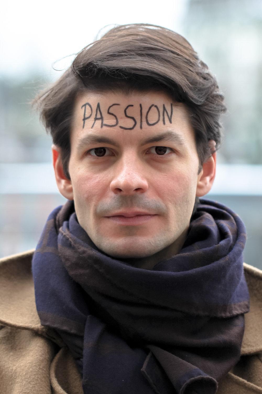 Stéphane Lambiel - Patineur artistique SuisseJ'ai la chance de vivre de ma passion ! Quoi de plus beau ? Je souhaite à chacun de découvrir ce qui le passionne et de se donner l'opportunité de s'y adonner corps et âme.