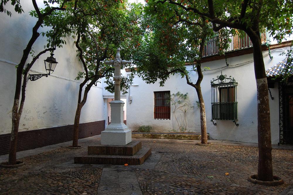 Plaza_santa_amrta_sevilla.jpg