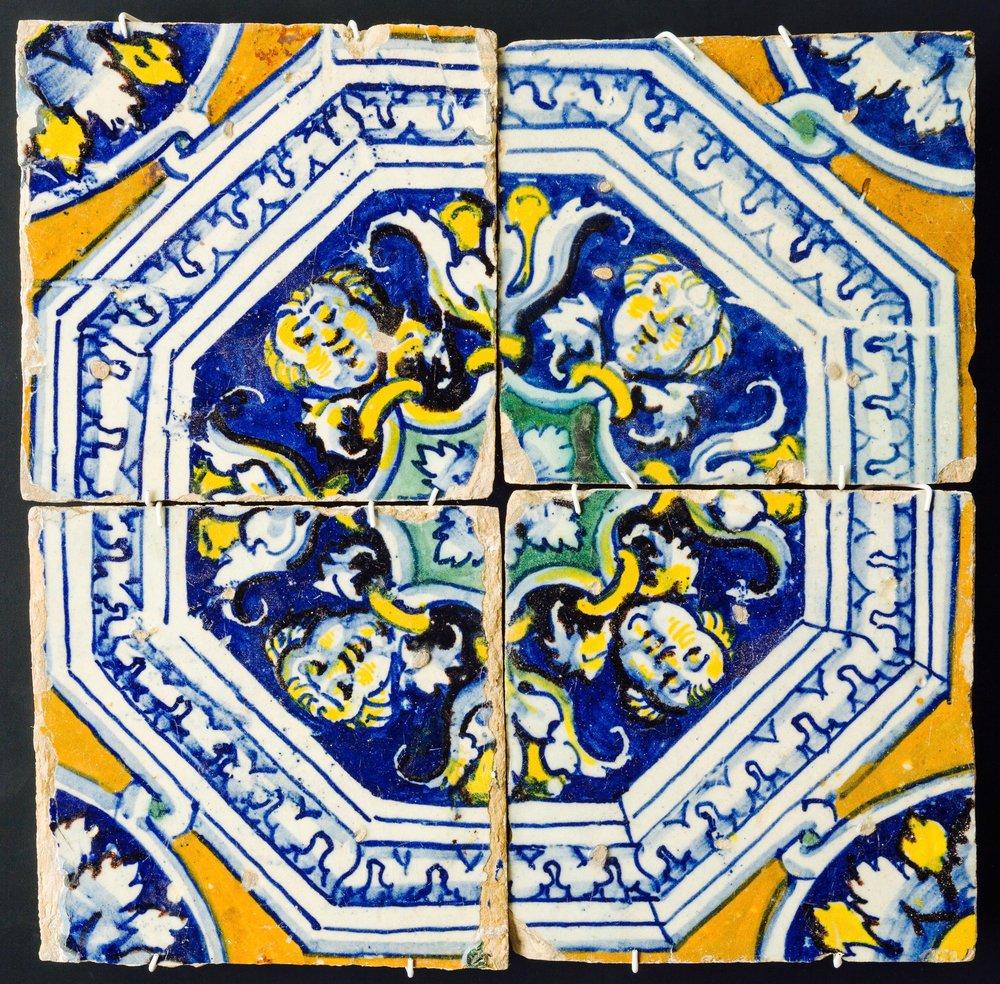 cuatro_azulejos.jpg