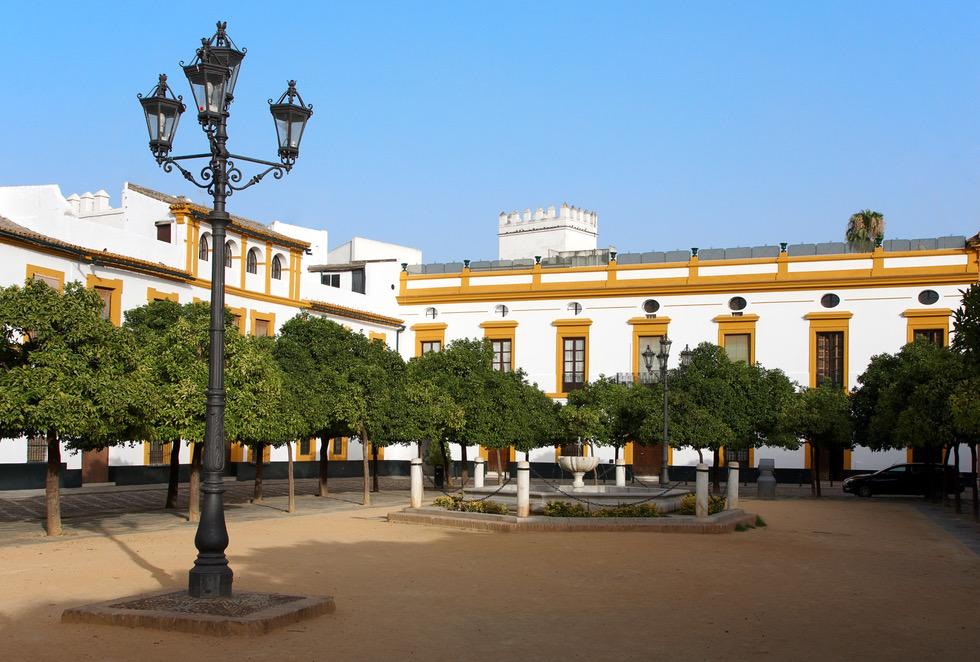 479_patio-de-banderas-del-real-alcazar.jpg
