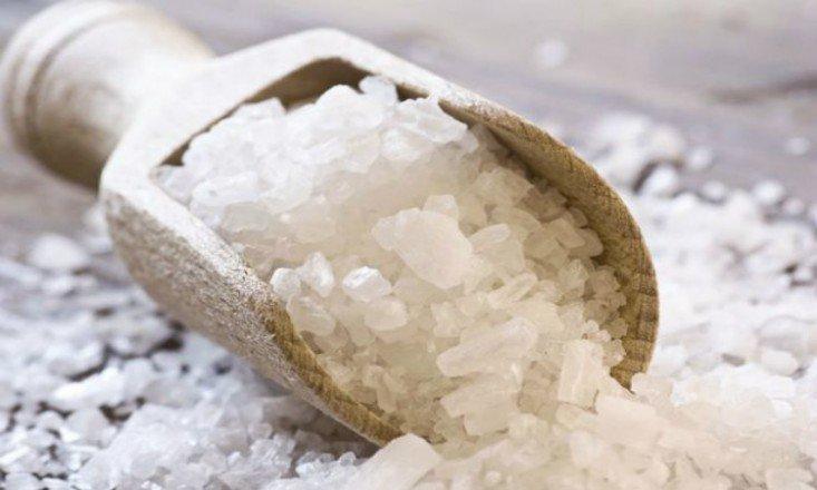 Avoiding-The-NaCl-5-Ways-To-Reduce-Your-Salt-Intake1-733x440.jpg