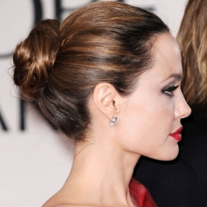 chignon-basso-Angelina-Jolie.jpg