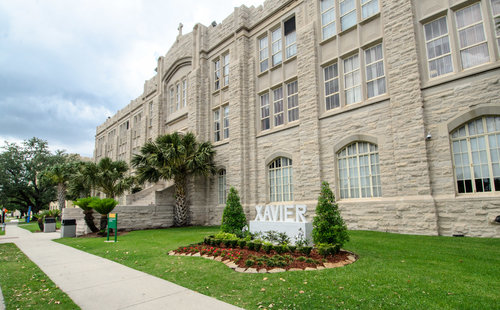 Xavier+University+of+Louisiana_Administration+Building.jpg