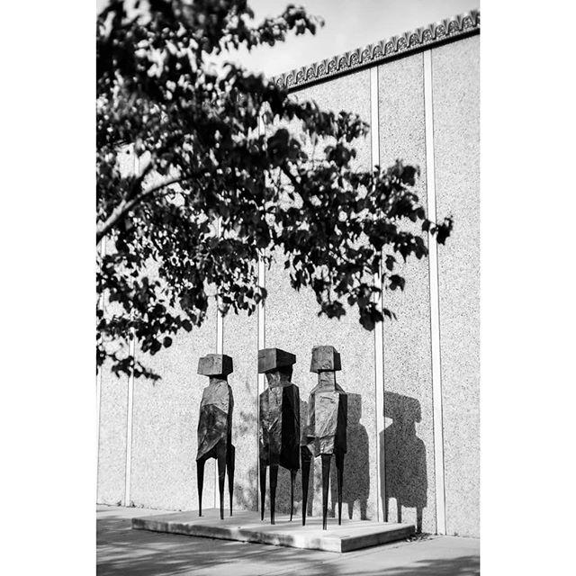 3 . . . . . . . #balboa #balboapark #balboaparksandiego #sandiego #sandiego_ca #sandiegoliving #visitsandiego #sculpture #sculptures #blackandwhite #blackandwhitephotography #sony #alpha #sonyalpha #sonya7ii #sonyshots #sonyshooter #sonya7 #streetshot #streetphotography #publicart #california #ca #sunny #sunnycalifornia
