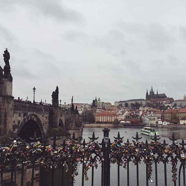 I promise I will stop posting Prague spam soon, just once I have finished off my travel guide blog post. Looking back at everything we did and think we have some really fantastic recommendations. Give me all the Czech good & beer again. 🍺